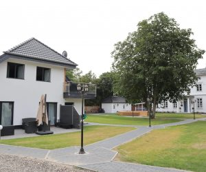 Herrenhaus_Außen_henriettenhof_IMG_9413-SzZjdfgs